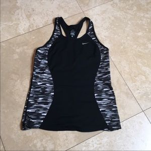 💕Nike Dry Fit top💕